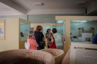 Minoan Art Tour